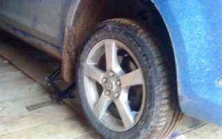 Снятие и замена передних и задних тормозных дисков Ford Focus 2 своими руками