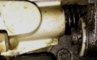 Замена сальника штока переключения передач в Ford Focus 2