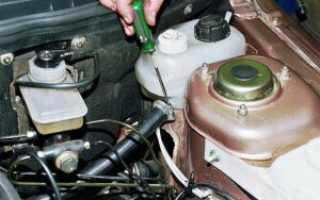 Процесс замены тосола в автомобиле ВАЗ-2110