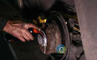 Замена тормозных колодок Audi A4 в Москве